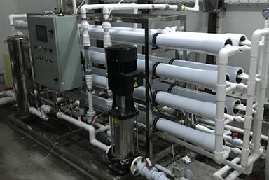 乌海格兰云天国际酒店(五星) 5吨反渗透生活水处理设备